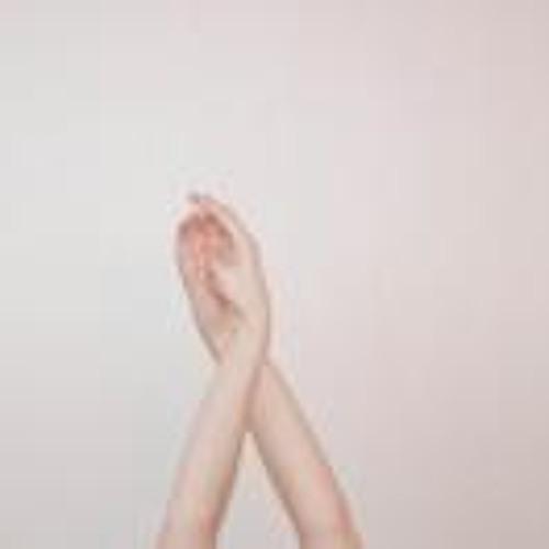 Cristina Cruz 4's avatar