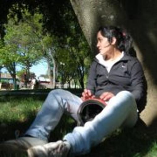Vivi Barrales's avatar