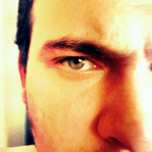 Luis Medeiros's avatar