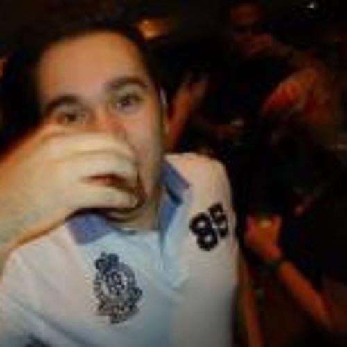 Victor Sinigaglia's avatar
