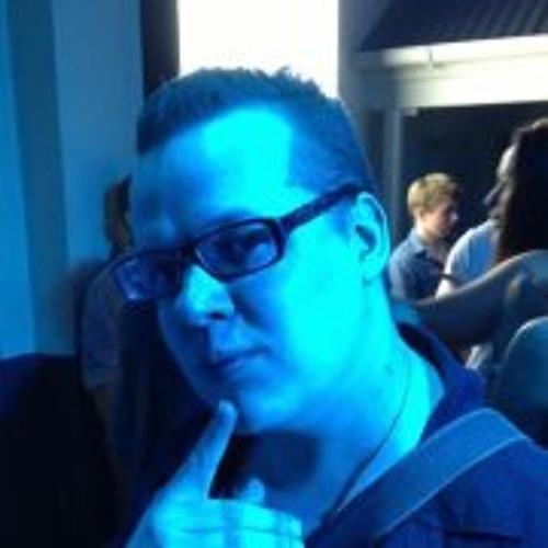 DJ Fuzzbomb's avatar