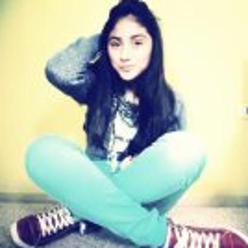 Yoselin Evelin's avatar