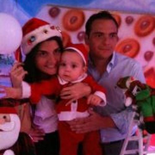 Carlos Benavides 7's avatar
