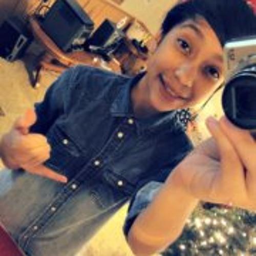 Michelle Castro 10's avatar