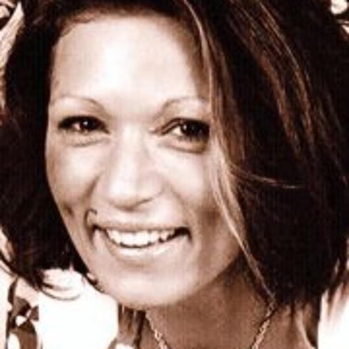 Sabrina May's avatar