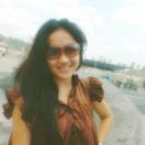 Indahh Kurniia Sarii's avatar