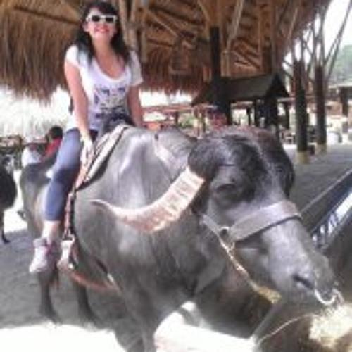 Angela Camargo's avatar