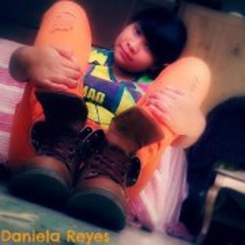 Daniela Reyes 15's avatar