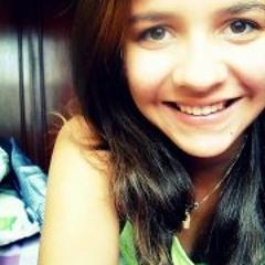 Julia Monteiro 2