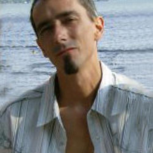 Wade MacKenzie's avatar