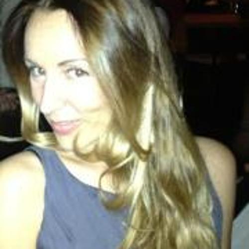 Isabel Montenegro's avatar