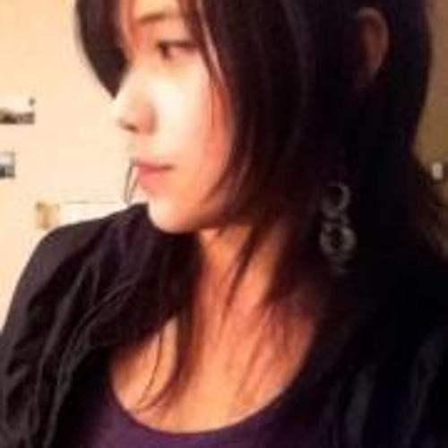 Ashley Veekay's avatar