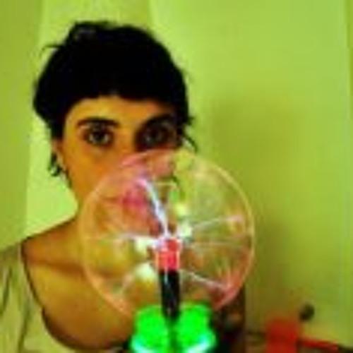 Flor Del Castillo's avatar