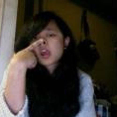 Zadia Tirto's avatar