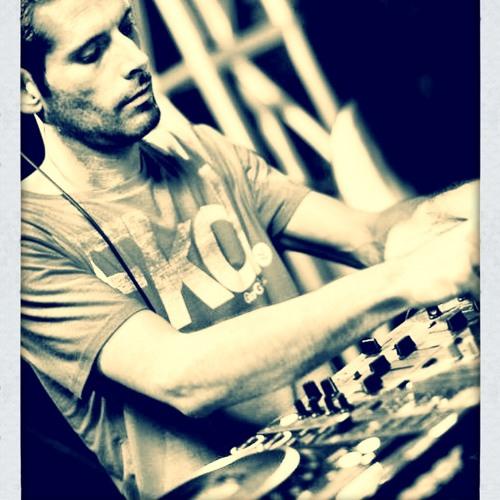 DJ WEZ_T's avatar