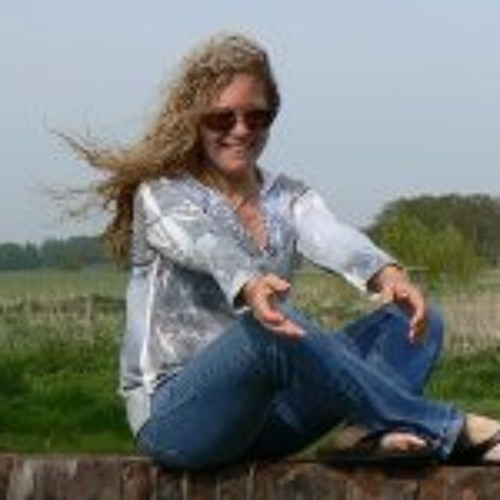 Racquel Palmese's avatar