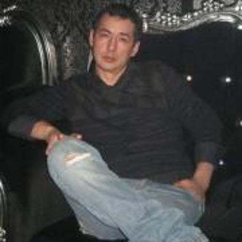 Florian Dumitrescu's avatar
