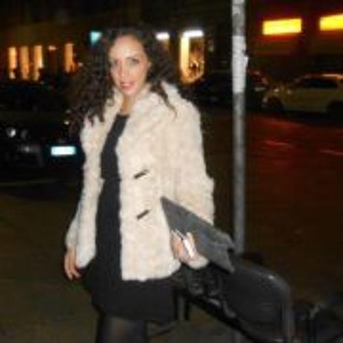 Salina Shahni A's avatar