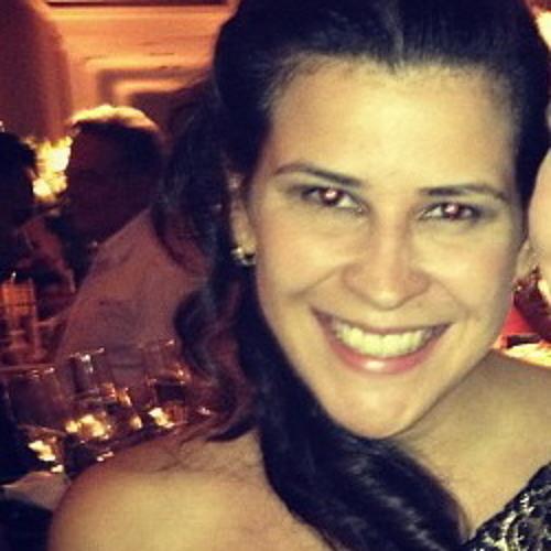 Joanna Prata's avatar