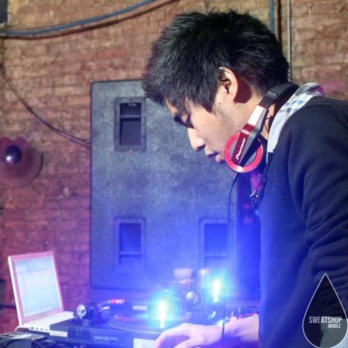 DJ Kollapse's avatar