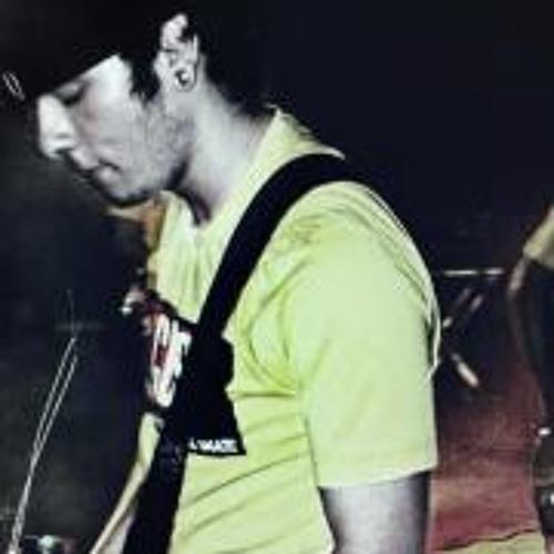 Bruno Tavares 25's avatar