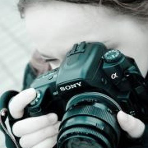 Ksenia Kha's avatar