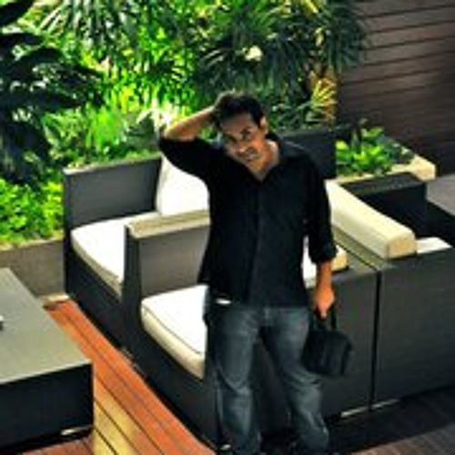 Monty Chopra's avatar