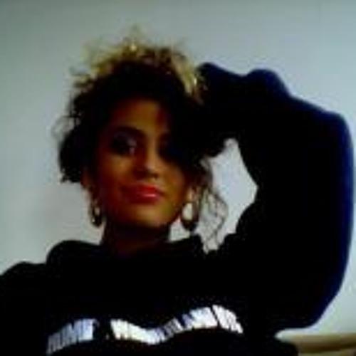 Nina Ornatkiewicz's avatar