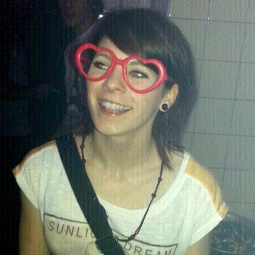 Lia Luminous's avatar