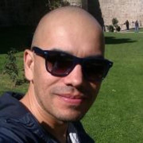 Ernest Brizuela's avatar