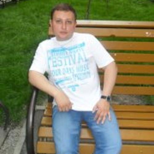 Dmitriy Simonov's avatar