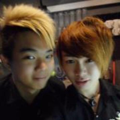 Zhi Yong Loo's avatar