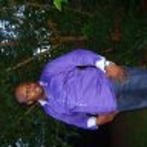 dmakena's avatar