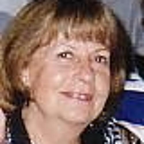 Lucia Cummins's avatar