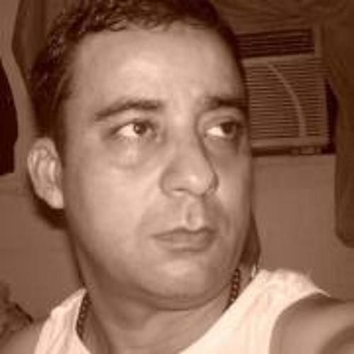 Elio Vargas's avatar