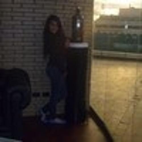 Camila Isa's avatar