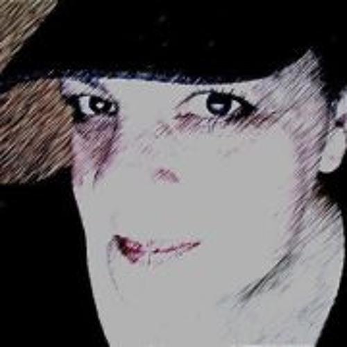 Lynn Capirsello's avatar
