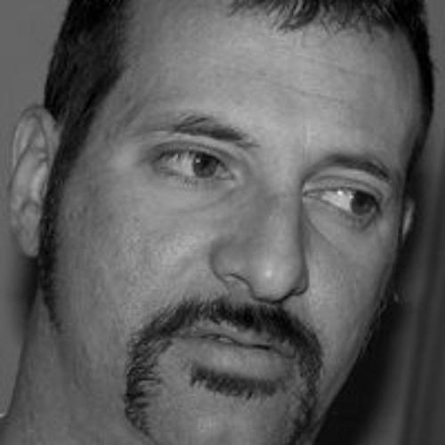Emanuel Sartore's avatar
