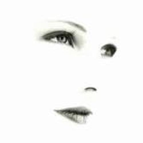 Mariana Cuore's avatar