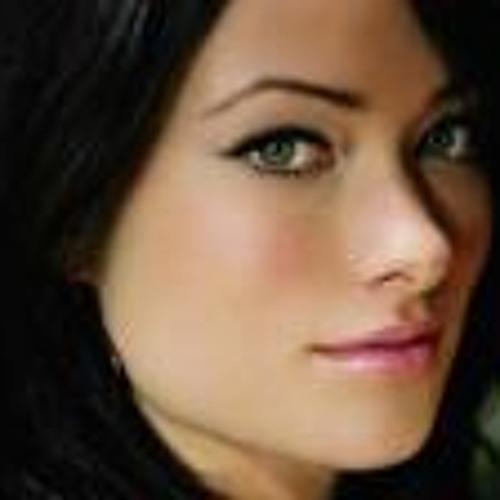 Ema Lona's avatar
