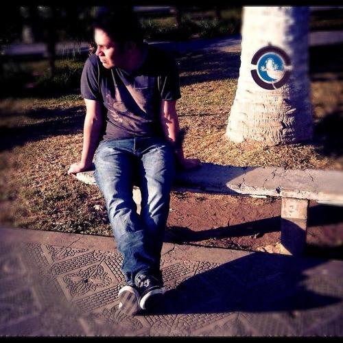 Luis Max V's avatar