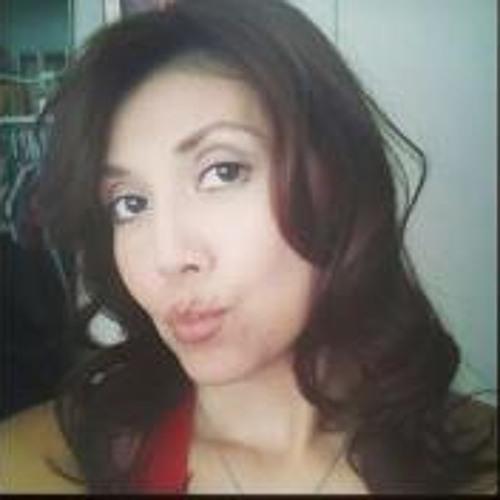 Claudia Sarinana's avatar