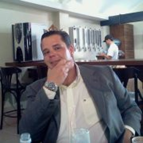 Ari Cavini's avatar