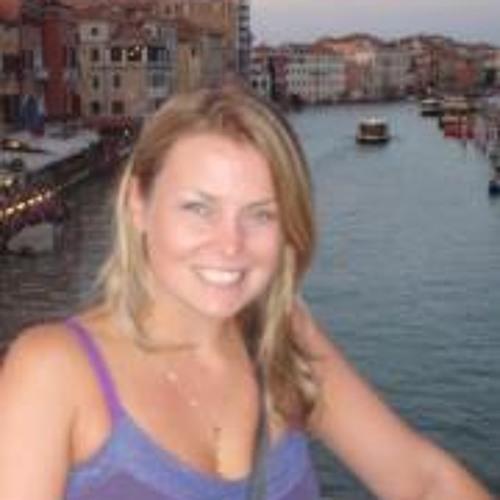Sarah Fell's avatar