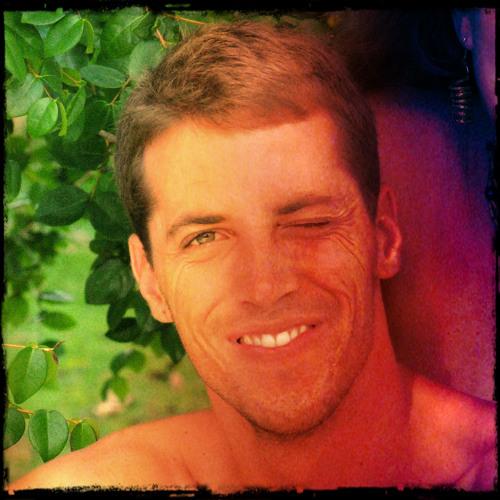 Greco Nogueira's avatar
