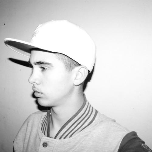 Nik  Ross's avatar