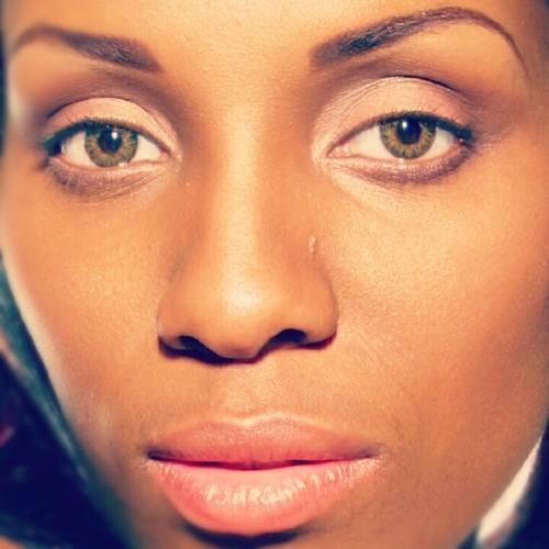 YoLee Queen Young's avatar