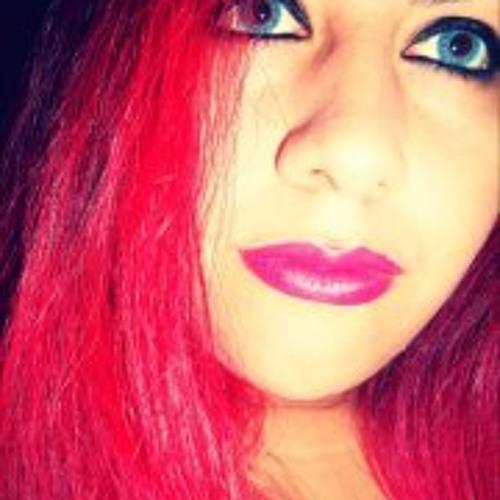 Juliane T Gilio's avatar