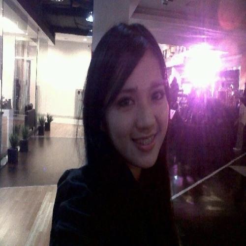 Astrid Septyanna's avatar