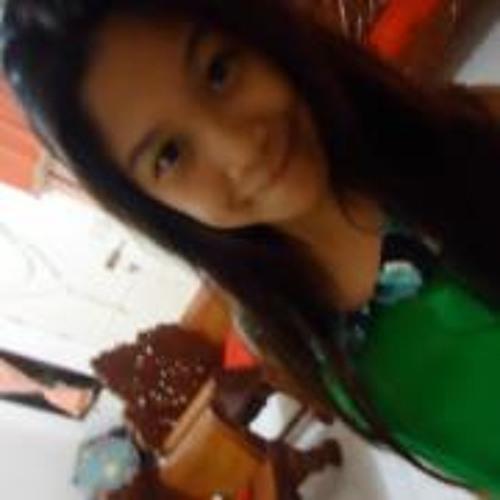 Mikaela Avenido's avatar